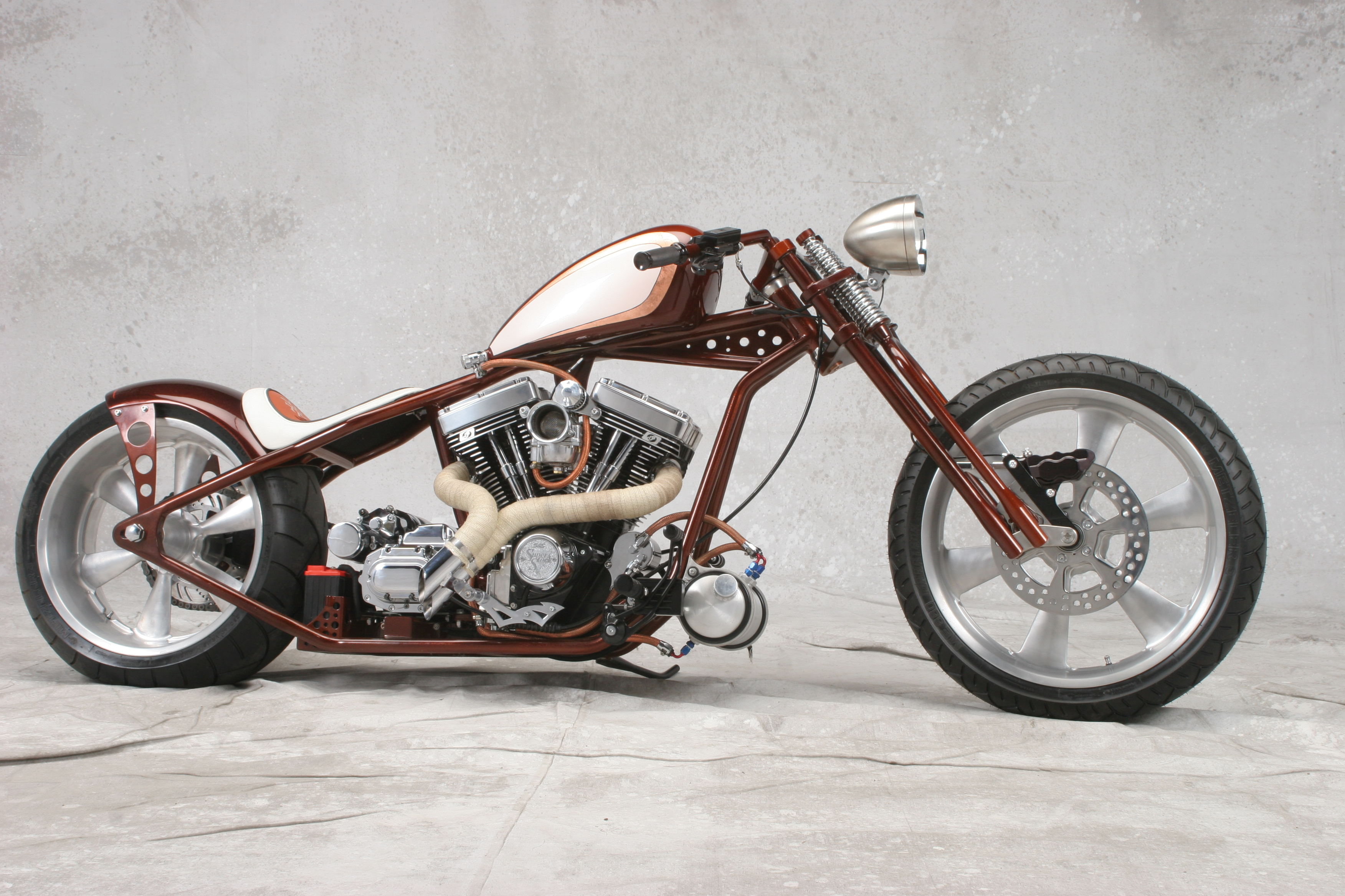 Look at this altoghether nice bike we tell all your friends about this bad boy!