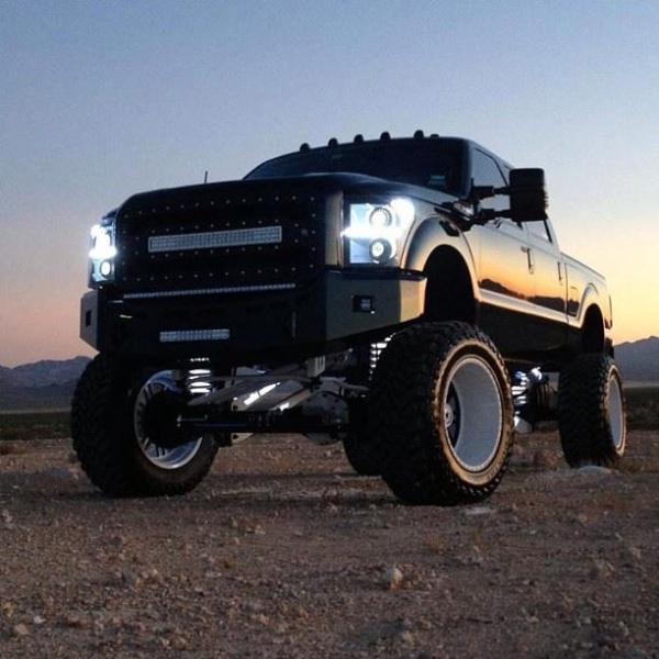 Lay your eyes on this bigtime fierce truck you gonna go crazy.