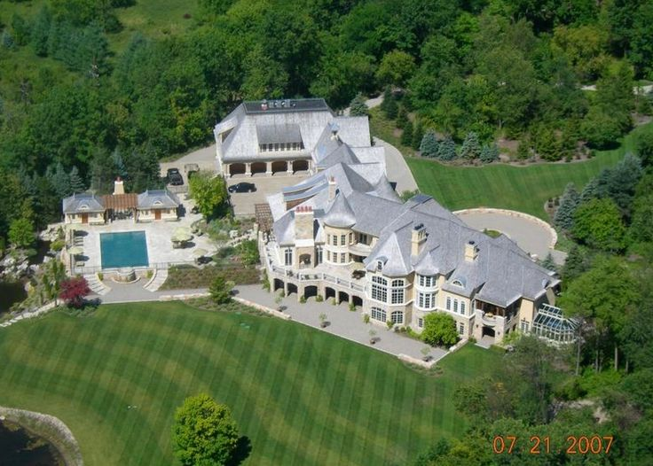 Checkout this absolutely poppin beast mansion my pops laughed.