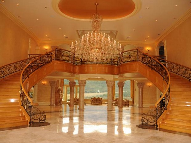 Pick up on this quite off the chain hizzy mansion my girl cried :)
