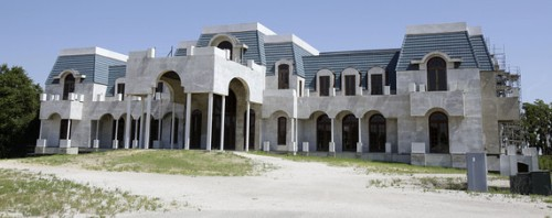 Look at this completely magnificent piece mansion my bro cried!!!!