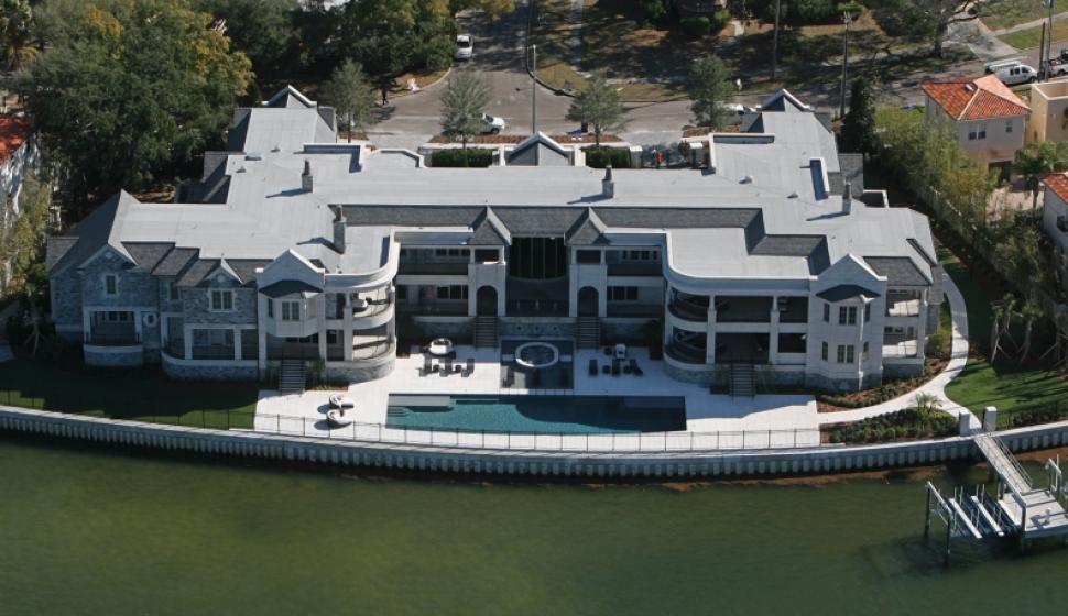 Get with this perfectly smokin bad mother mansion my dad fell out!!!!