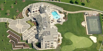 Peep out this completely insane beast mansion my dad went crazy!!!!