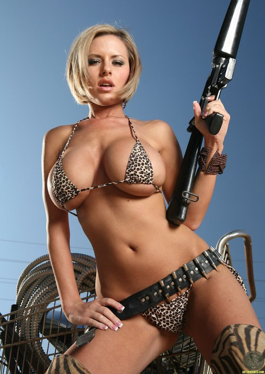 Look over this bigtime killer babe that we know you will tell all your friends about!!