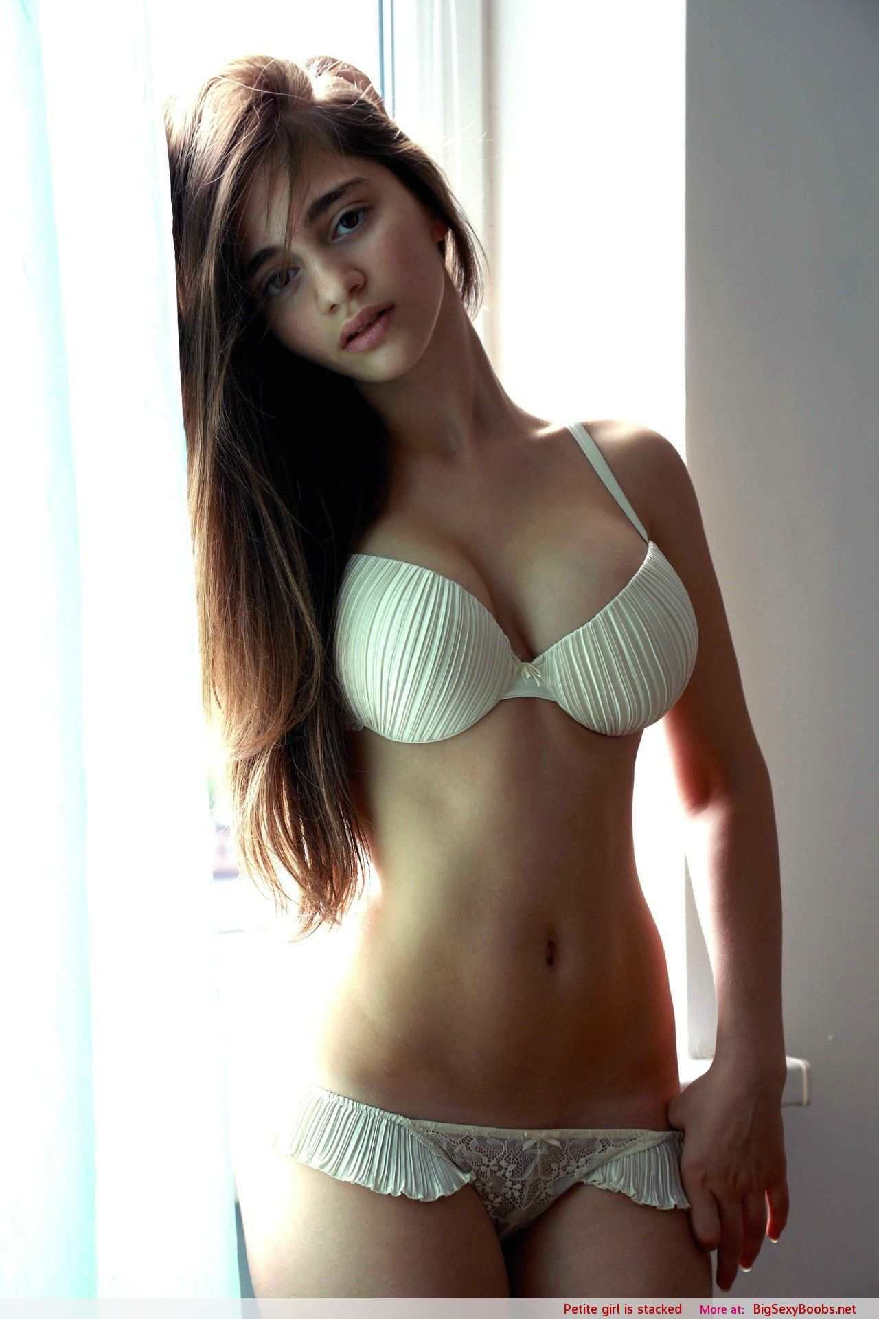 Pitete big boob girls