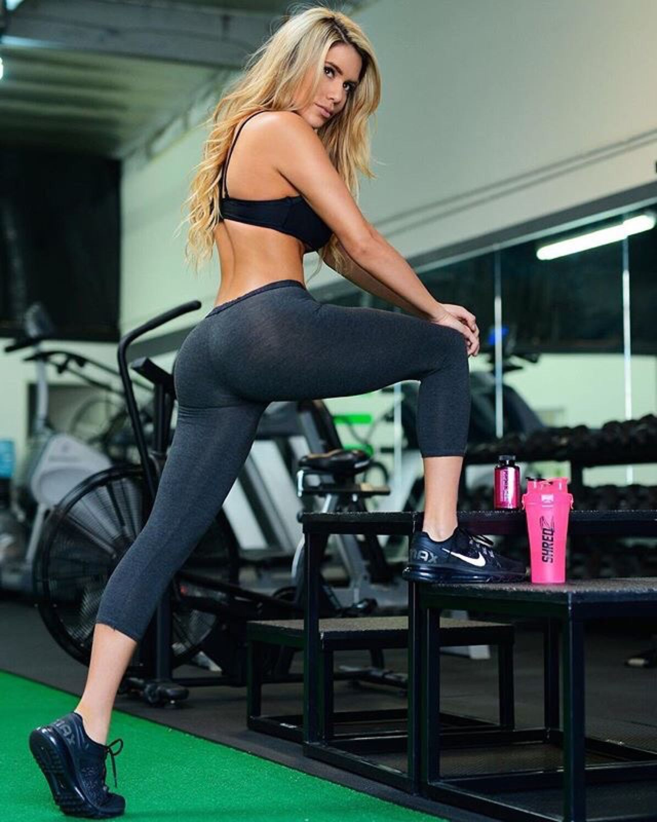 Pick up on this yoga pants wearing bigtime mega chick that we know you will get down with!!!!