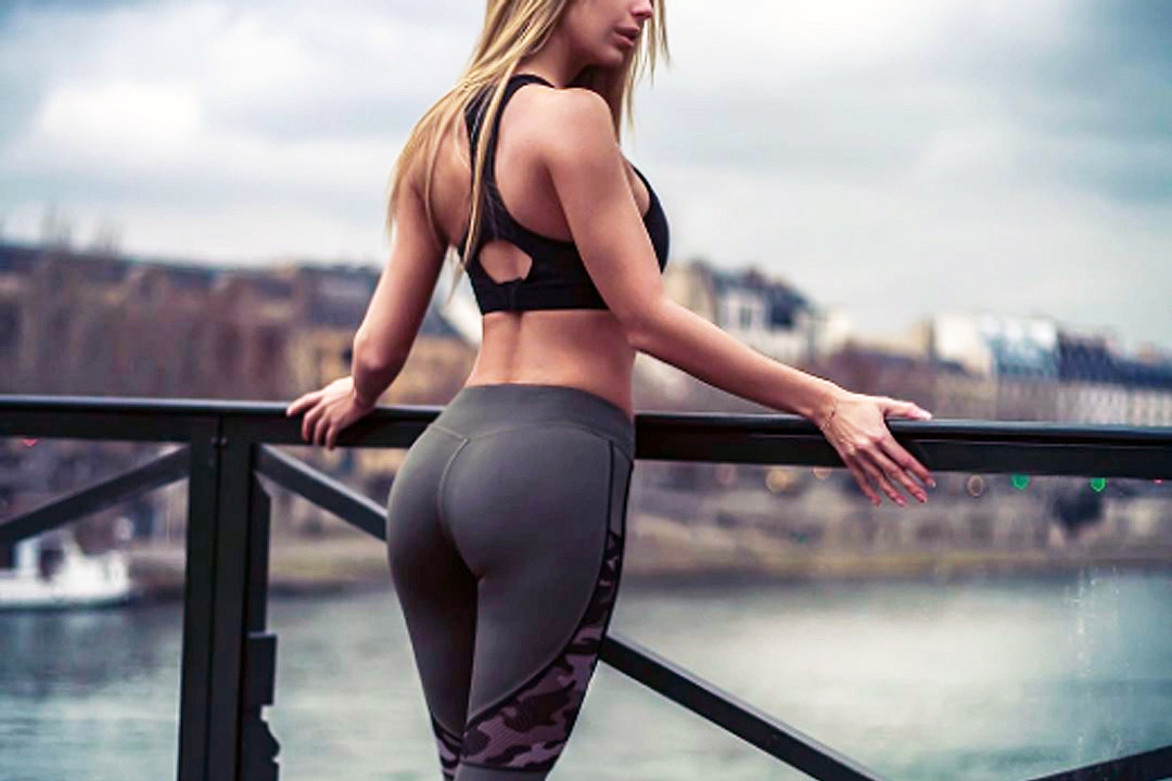 Checkout this yoga pants wearing nice girl that we know you will adore!