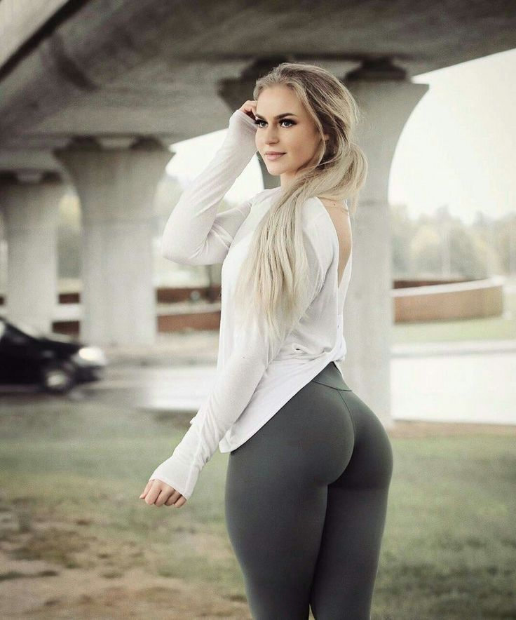 Eyeball this yoga pants wearing quite off the chain woman that we know you will tell all your friends about.