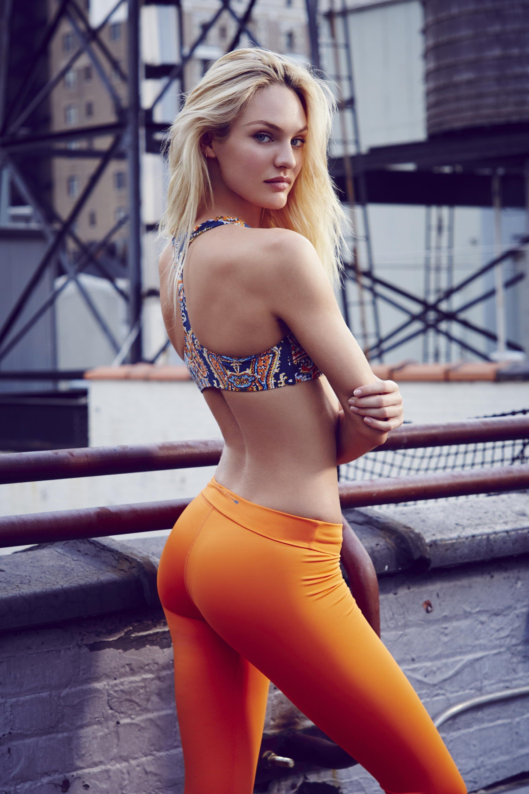 Checkout this yoga pants wearing bigtime awesome chick that we know you will adore :)