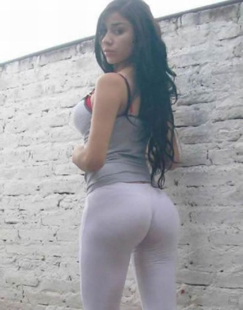 Look over this yoga pants wearing quite nice girl that we know you will adore!!!!