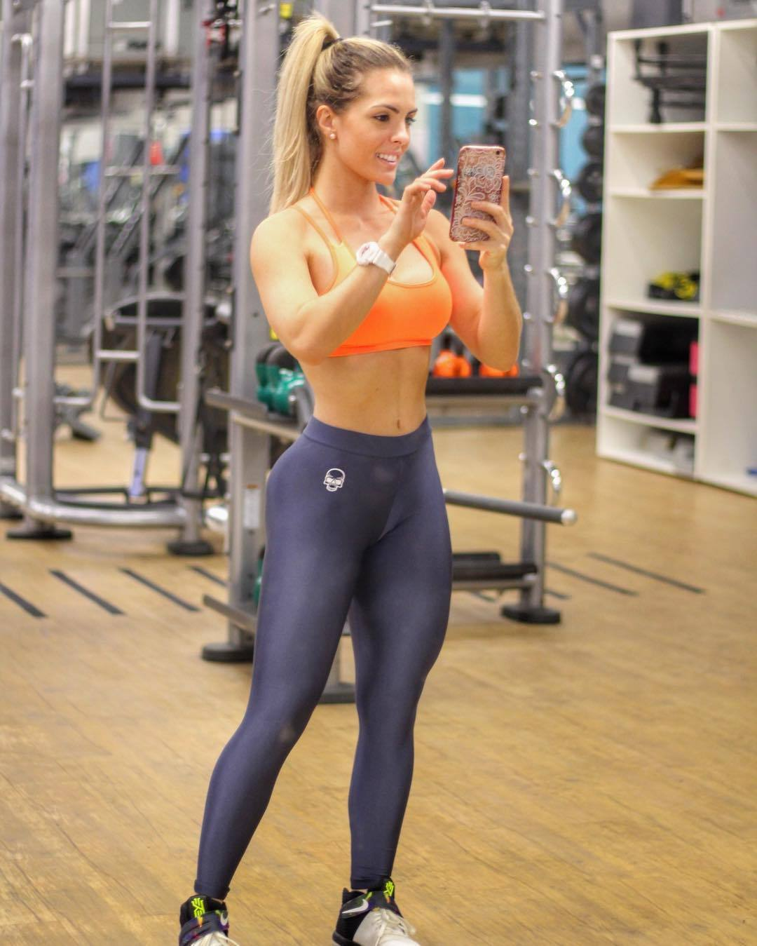Checkout this yoga pants wearing righteous girl that we know you will adore!!!!