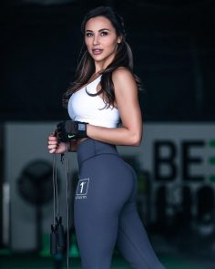 Get with this yoga pants wearing perfectly def babe that we know you will go crazy for!!!!