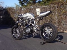 Lay your eyes on this quite insane bike we go crazy for this piece :)