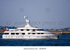 Look at this altoghether killer boat you gotta love this dope joint!