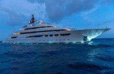 Lay your eyes on this perfectly prime boat you gotta love this beast :)